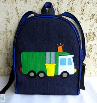 Kukásautós hátizsák