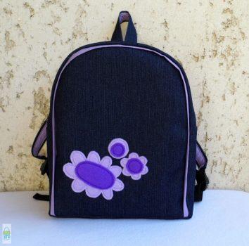 Lila virágos hátizsák