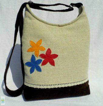 Színes virágos íves táska