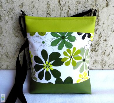 Zöld virágos női táska