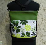 Zöld virágos hátitáska
