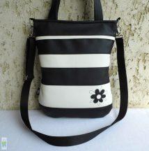 Csíkos női táska firkavirággal